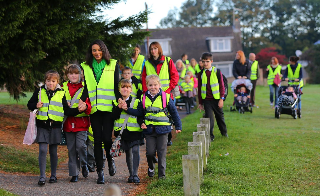 Kia pioneers a walking bus so Mums walk to school not ...